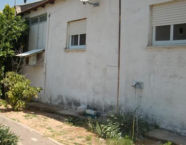 חצר הבית בהרצליה -