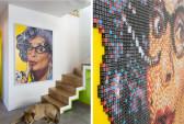לצד המדרגות נתלתה תמונה של האמן איל אופיר  בדמותה של דיים עדנה המיתולוגית. העבודה עשויה מ 25,000 קוביות משחק בארבעה צבעים, והוכנה לפי הזמנה לחלל.